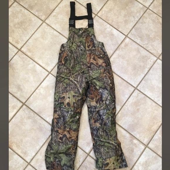b958c39974bb6 Mossy Oak hunting bibs. M_5bf59857c89e1d723310aa38